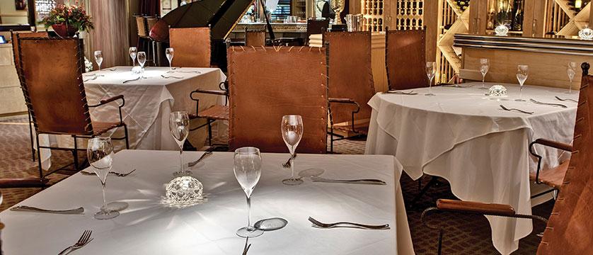 Canada_Whistler_Hotel-Listel_dining-room.jpg